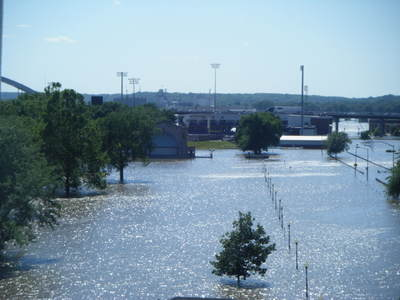 061708_davenport_flood_24