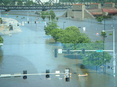 061708_davenport_flood_7