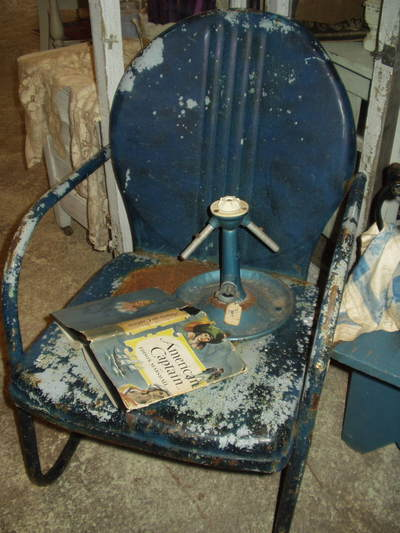 Blue_garden_chair