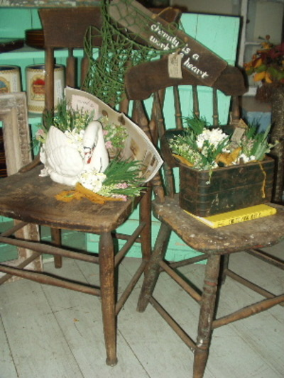 033107_garden_chairs_display