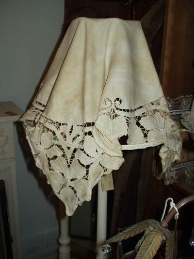 Repurposed_linen_lamp_shade