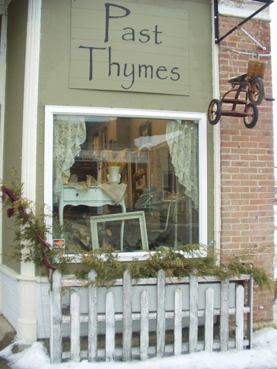 010508_past_thymes_front_window_1